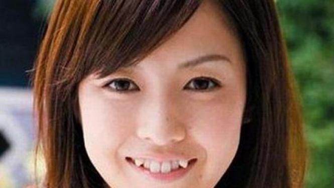 "Gigi taring ""yaiba"", trend baru di Jepang"