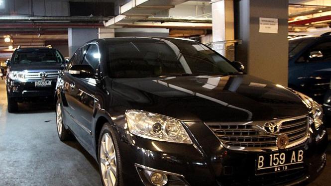 Mobil Mewah Anggota Dewan