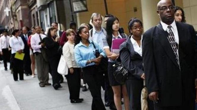 Antrean pelamar kerja di New York, AS