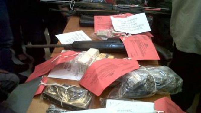 barang bukti Jaringan Abu Omar