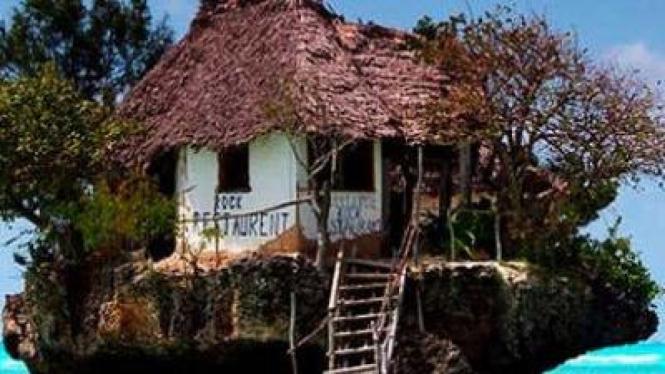 Restoran di atas karang, di Zanzibar, Tanzania