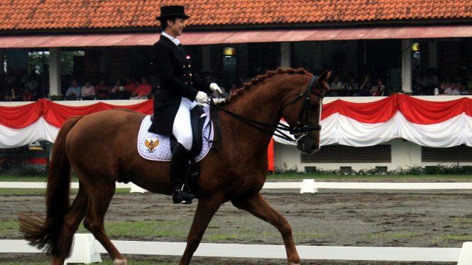 Larasati Gading dan Wallenstein di SEA Games 2011