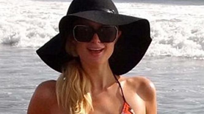 Paris Hilton di Bali