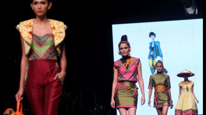 Final Show LPM 2011 di Jakarta Fashion Week 2012