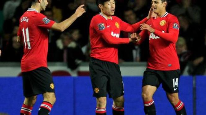 Gol Javier Hernandez ke gawang Swansea City