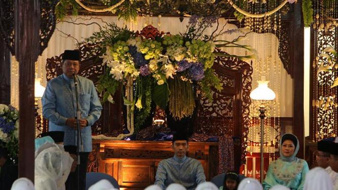 SBY di Pengajian Jelang Pernikahan Ibas-Aliya di Cikeas
