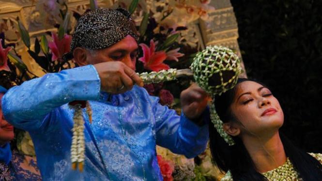 Siraman Menjelang Pernikahan Aliya - Ibas