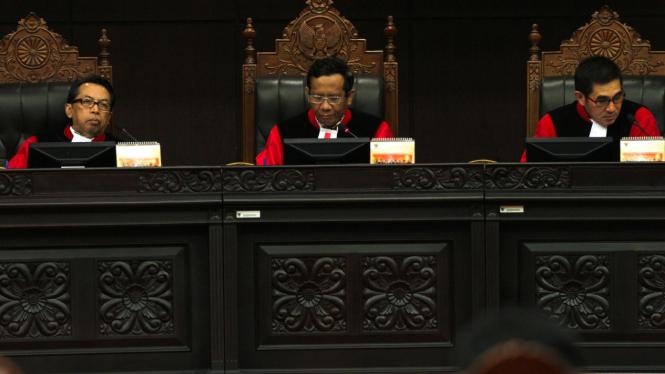 Yusril Ihza Mahendra Datangi Mahkamah Konstitusi