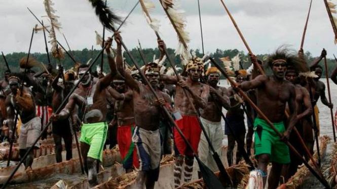 Suku Asmat di Provinsi Papua