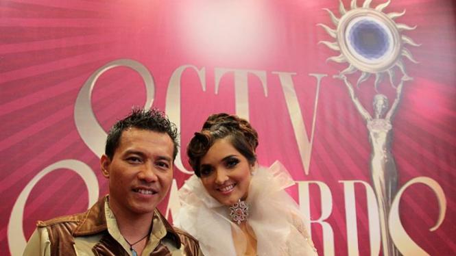 Anang Hermansyah dan Ashanty di Penghargaan SCTV Awards 2011