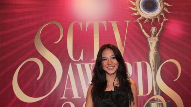 Nadia Vega di Malam Penghargaan SCTV Awards 2011