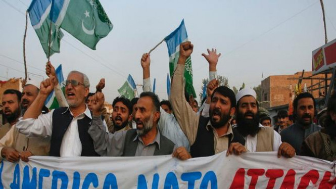 Demonstrasi anti serangan NATO di Kota Charsadda, Pakistan