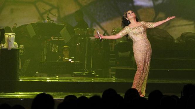 Konser The Emerald Voice Of Vina Panduwinata