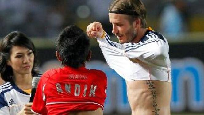 David Beckham tukar seragam dengan Andik Vermansyah
