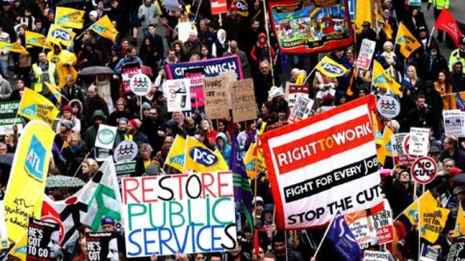 Demonstrasi menentang kebijakan pensiun di Inggris