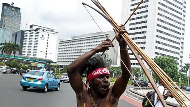 Aksi Demo Warga Papua