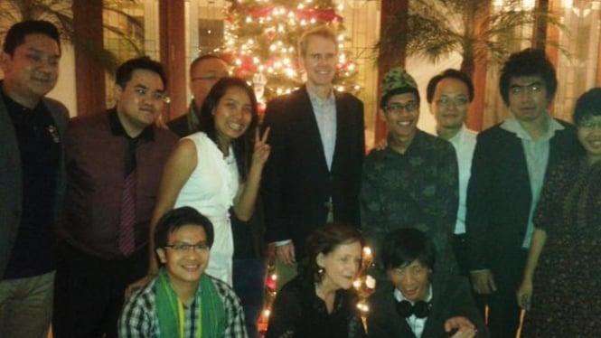 Dubes AS untuk ASEAN bersama para blogger se-ASEAN di Jakarta