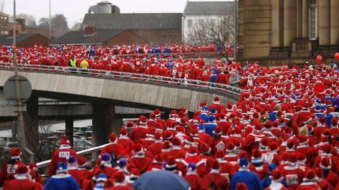 Lomba lari Sinterklas di Inggris