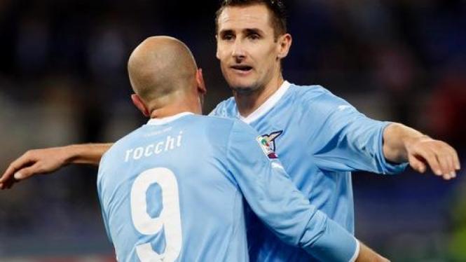 Tomasso Rocchi dan Miroslav Klose