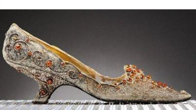 Sepatu termahal di dunia milik Putri Soraya