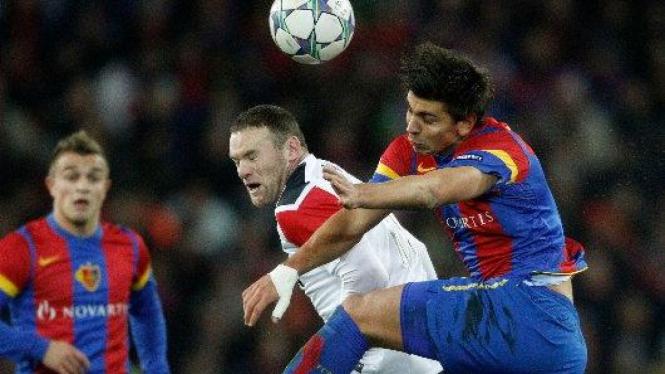 Wayne Rooney saat melawan Basel