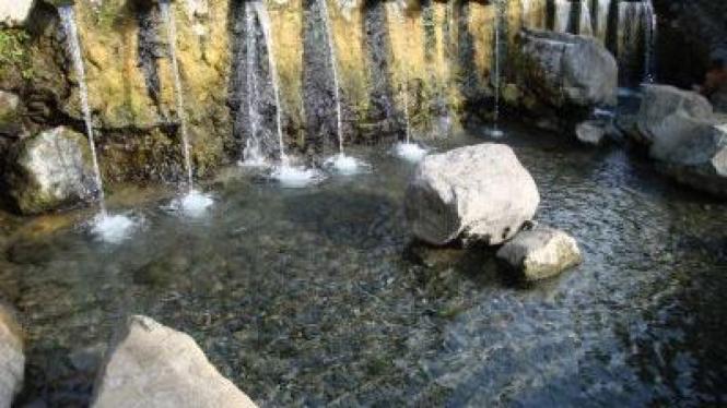 Pemandian air panas Sungai Janiah