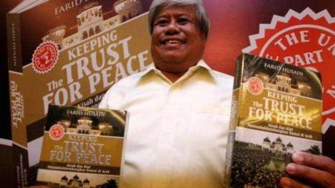 Farid Husain dan bukunya, Keeping the Trust for Peace