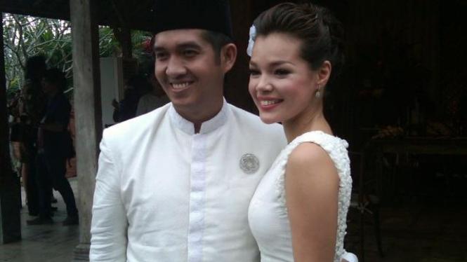 Agus Rahman dan Dewi Sandra