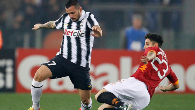 Juve imbangi AS Roma