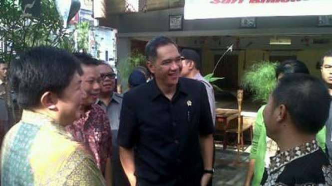 Menteri Perdagangan Gita Wirjawan lakukan kunjungan ke pasar