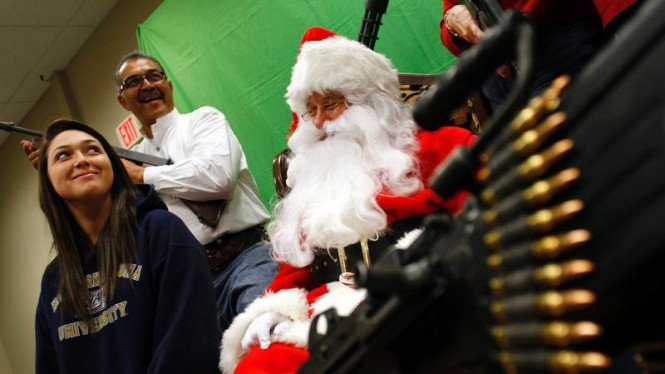 Sambut Natal bersama Sinterklas dan senjata api