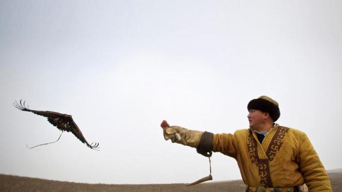 Perburuan tradisional ala Kazakhstan
