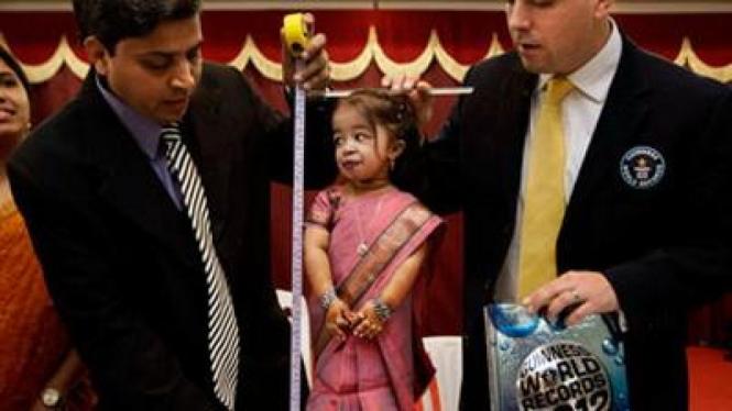 Jyoti Amge, wanita terpendek di dunia