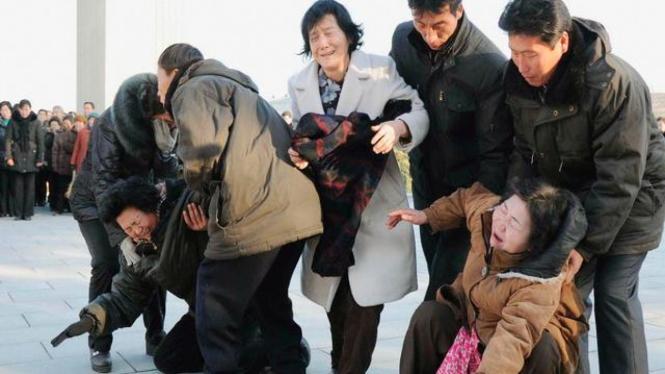 Rakyat Korea Utara menangisi wafatnya Kim Jong Il