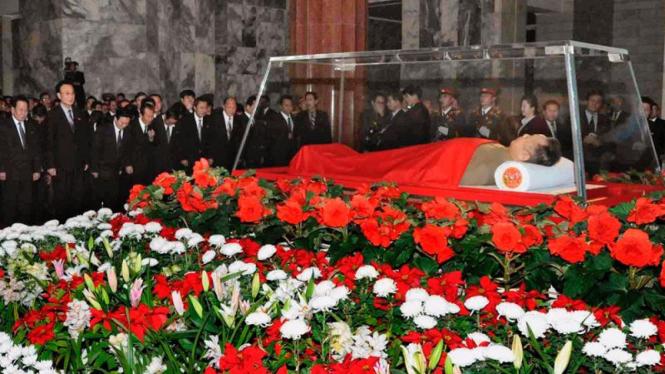 Jenazah Kim Jong-il disemayamkan di Pyongyang