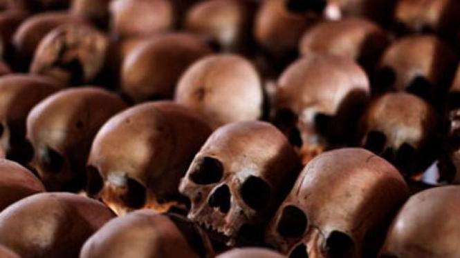 Tengkorak-tengkorak korban upaya genosida di Rwanda