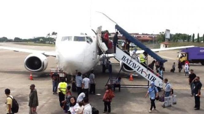 Pesawat Batavia air kembali bandara, setelah terbang 15 menit