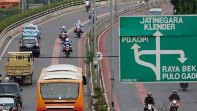 Transjakarta (Busway) lintasi koridor XI Pulogebong-Kampung Melayu