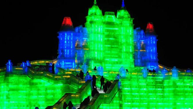 Festival Es dan Salju Harbin di Cina