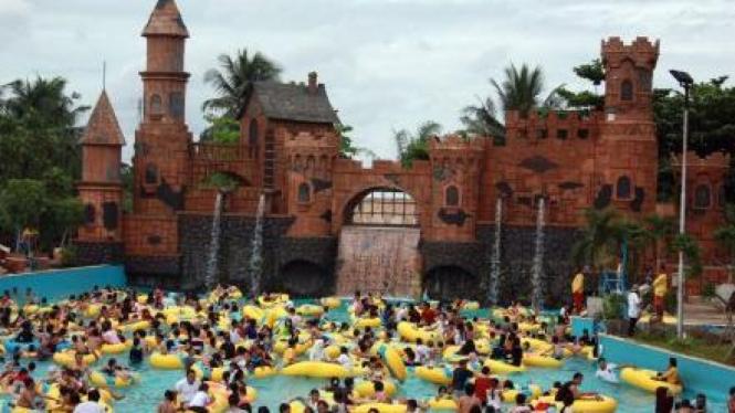 Taman Air Ocean Park di Serpong, Tangerang Selatan
