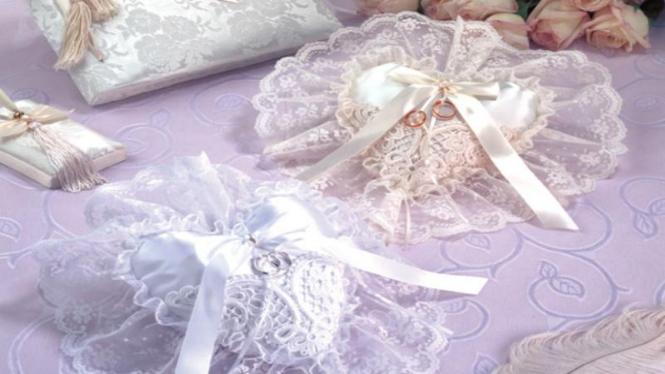 Souvenir Pernikahan Victorian Style