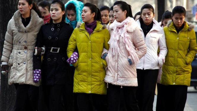 Komunitas Korut di China usai upacara penghormatan bagi Kim Jong-il