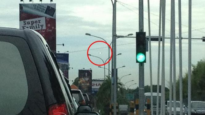 Foto benda yang diduga pesawat UFO di Ngurah Rai, Bali
