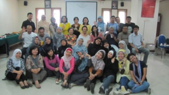 Para staf dan tim pengajar SEAMEO-RECFON