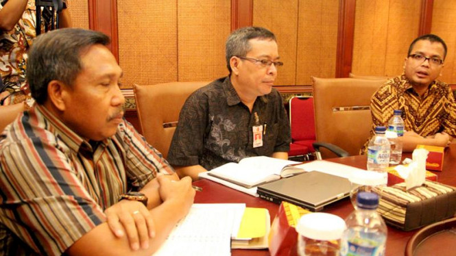Wakil Menkumham Denny Indrayana Bertemu 3 Perusahaan