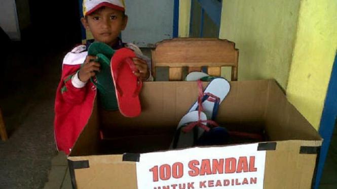 Gerakan 100 Sandal untuk Keadilan