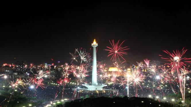 Perayaan Tahun Baru 2012 di Kawasan Monas, Jakarta