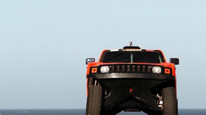Upacara pemberangkatan Reli Dakar 2012