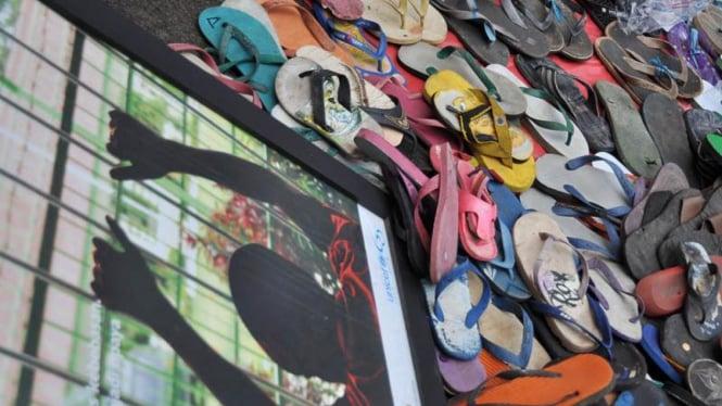 Aksi seribu sendal untuk aal