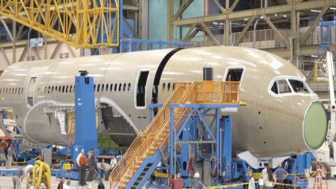 Suasana kerja di pabrik Boeing, AS